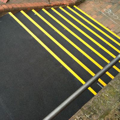SlipGrip Landing Cover - 800 x 1200mm - Black)