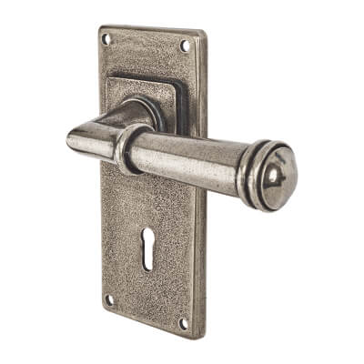 Finesse Durham Door Handle on Jesmond Plate - Keyhole Lock Set - Pewter