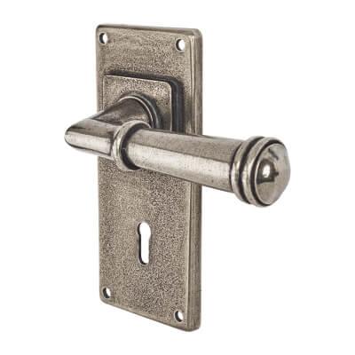 Finesse Durham Door Handle on Jesmond Plate - Keyhole Lock Set - Pewter