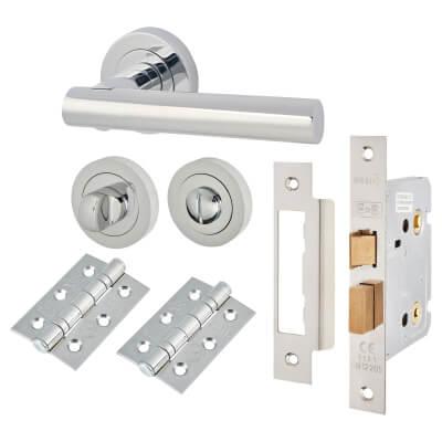 Door Handle on Rose Kit - Bathroom Lock - Polished Chrome)