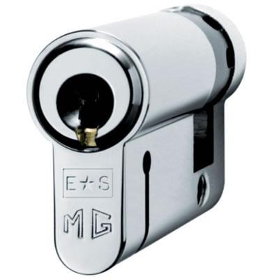 Eurospec MP15 - Euro Single Cylinder - 35 + 10mm - Polished Chrome  - Master Keyed