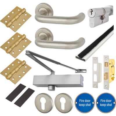 Medium Duty Lever on Rose Fire Door Kit - Euro Sashlock - Stainless Steel