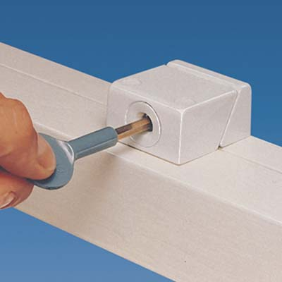 Yale® 8K108 Sash Window Lock - White)
