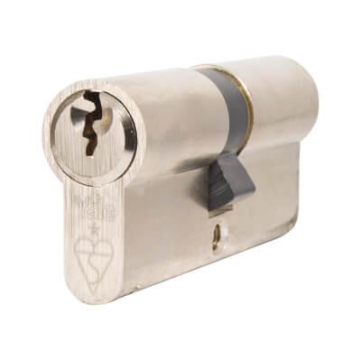 Yale® 1 Star Kitemarked Euro Double Cylinder - Keyed Alike - 35 + 35mm - Nickel Plated)