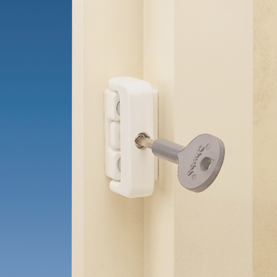 Yale® 8K101M Wooden Window Lock - White)