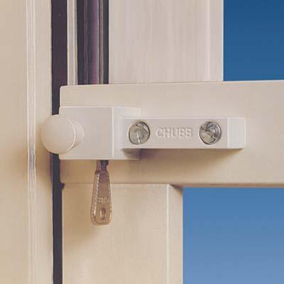 Yale® 8K114 High Security Sash Window Lock - White)