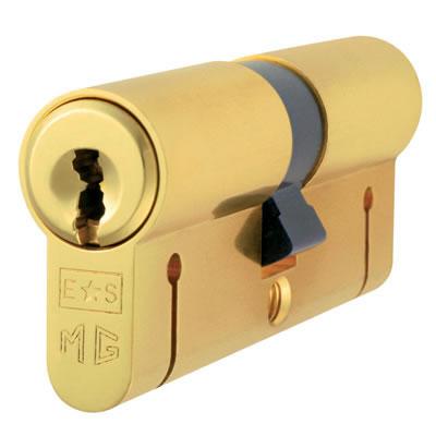 Eurospec MP15 - Euro Double Cylinder - 32 + 32mm - Polished Brass  - Master Keyed)